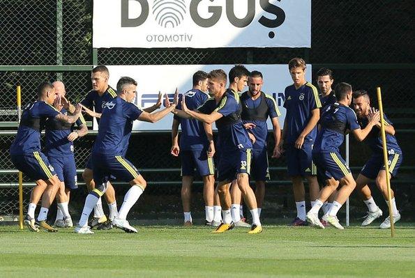 Fenerbahçenin Göztepe maçı muhtemel 11i