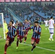 Trabzonspor-Kardemir Karabükspor mücadelesinden kareler