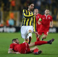 Galatasaray, Fenerbahçeli yıldızı transfer ediyor