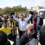 Fenerbahçe taraftarı Türk Telekom Arena'ya geldi