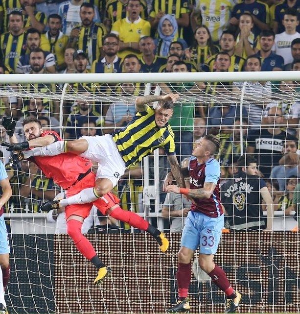 Fenerbahçe-Trabzonpor karşılaşmasından kareler
