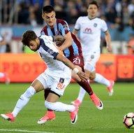 Trabzonspor-Medipol Başakşehir karşılaşmasından kareler