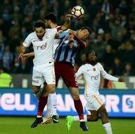 Trabzonspor-Galatasaray karşılaşmasından kareler