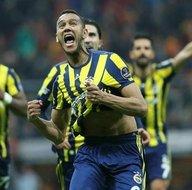 Fenerbahçe, Galatasaray'ı ezdi geçti