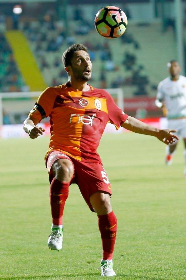 Galatasaray'da tarihi neşter