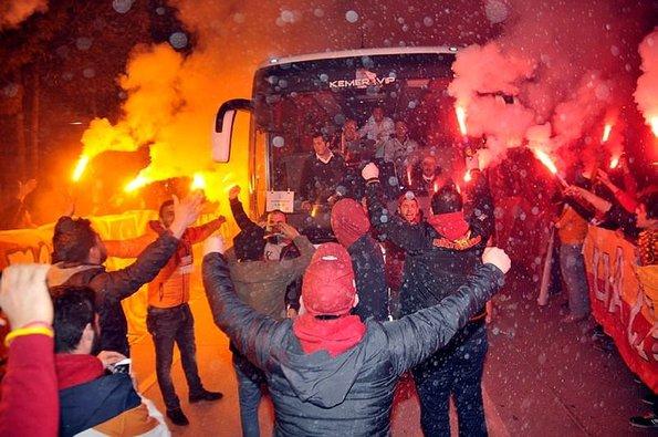 Galatasaray'ın yıldızına küfürlü tepki
